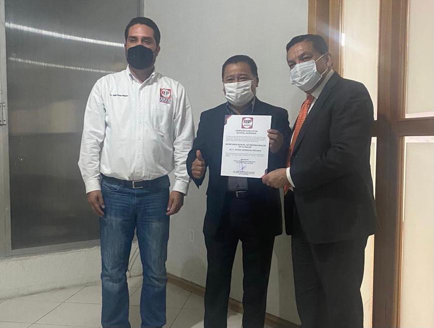 Entrega Hugo Rosales Badillo nombramientos en RSP
