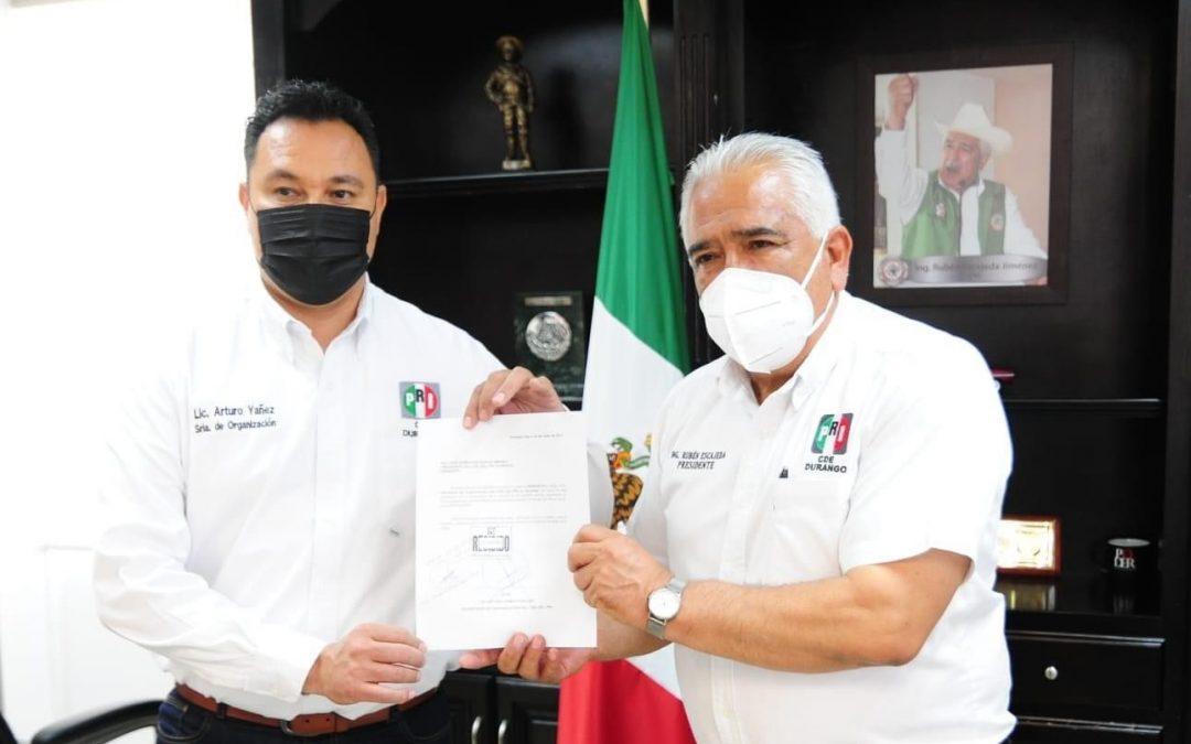 Buscará Arturo Yáñez dirigencia estatal del PRI
