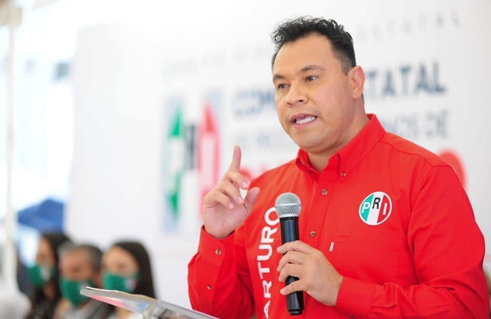 Arturo Yáñez Cuéllar, busca dirigir el PRI estatal