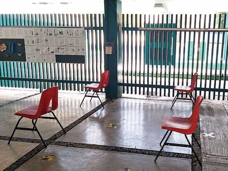 Desairan limpieza de escuelas; persisten dudas sobre retorno a los planteles